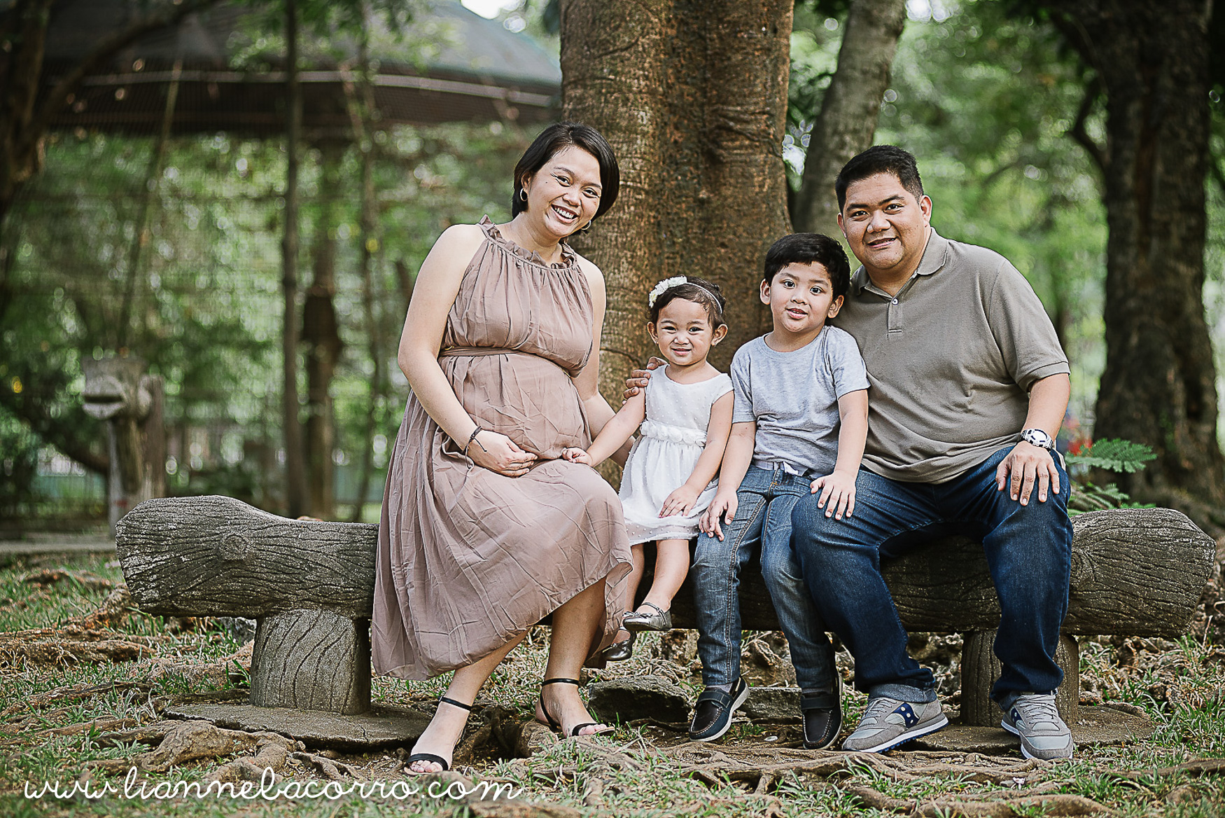 Lifestyle Maternity Family Photography by Lianne Bacorro-14