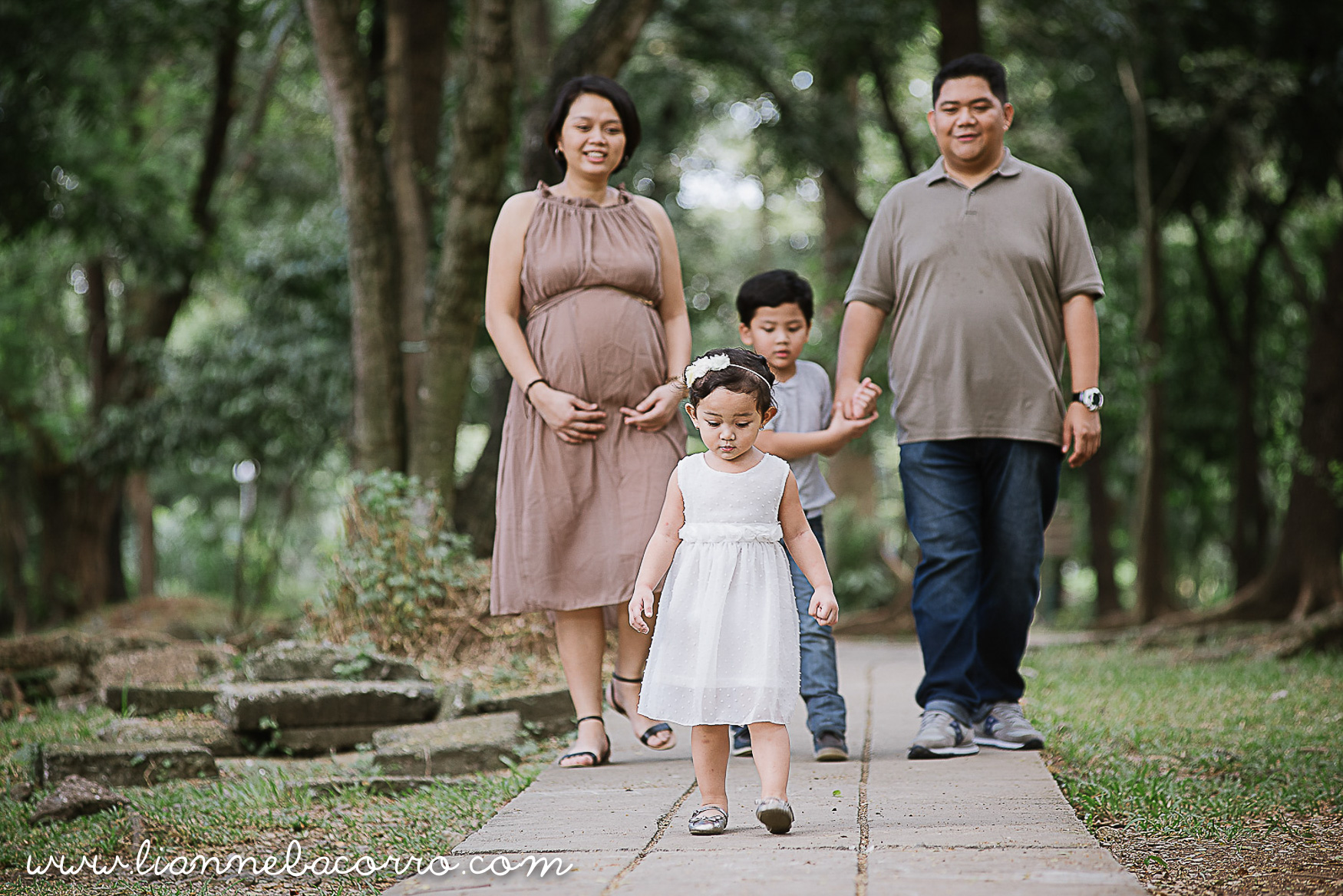 Lifestyle Maternity Family Photography by Lianne Bacorro-18