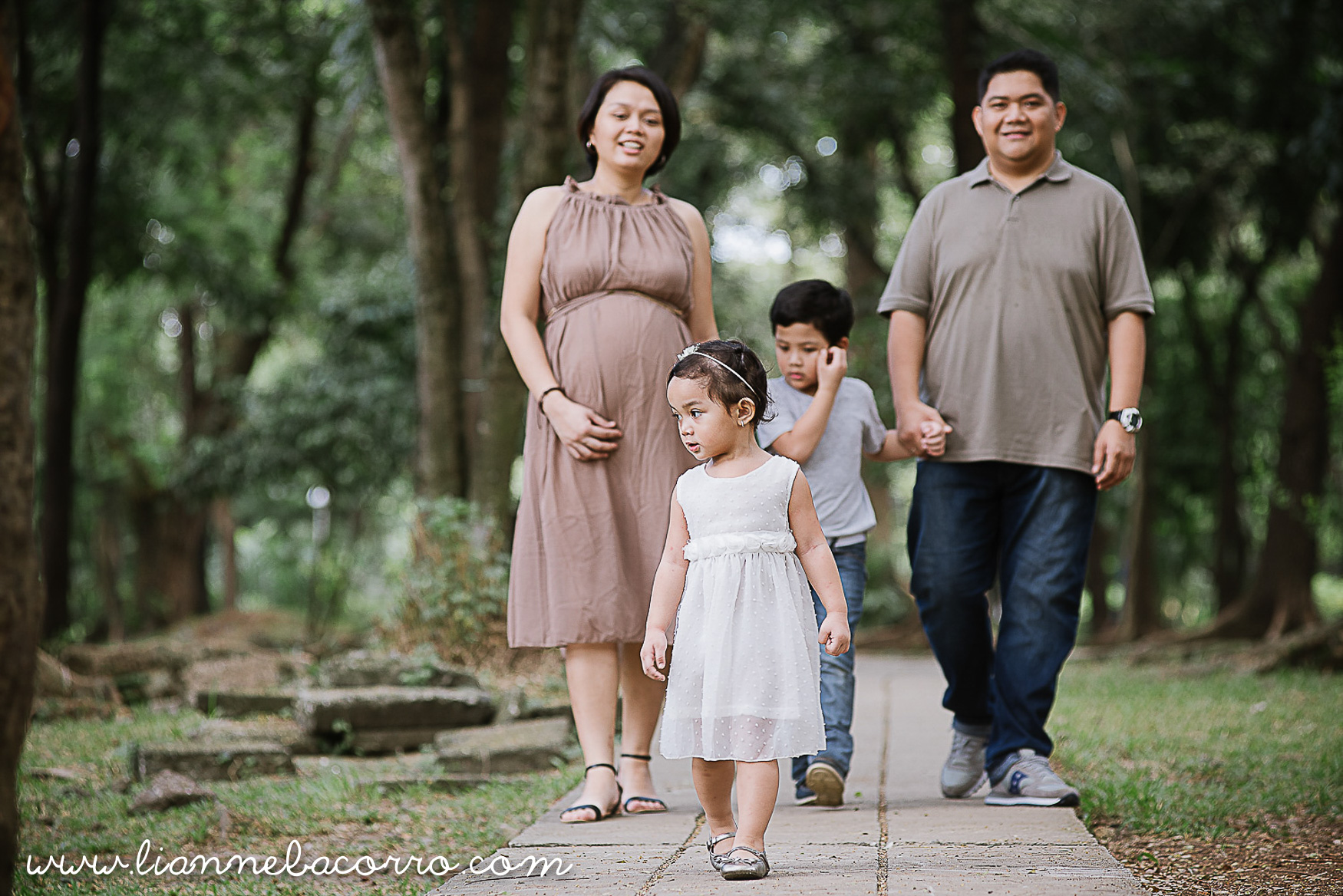 Lifestyle Maternity Family Photography by Lianne Bacorro-19