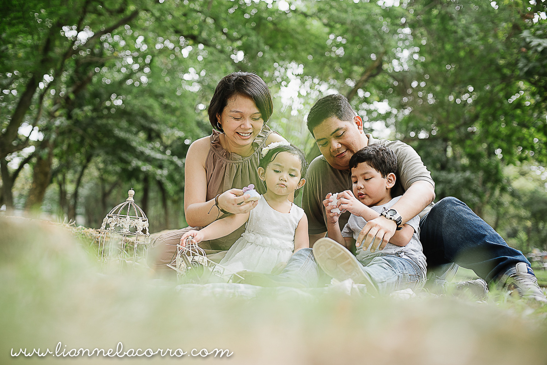 Lifestyle Maternity Family Photography by Lianne Bacorro-30