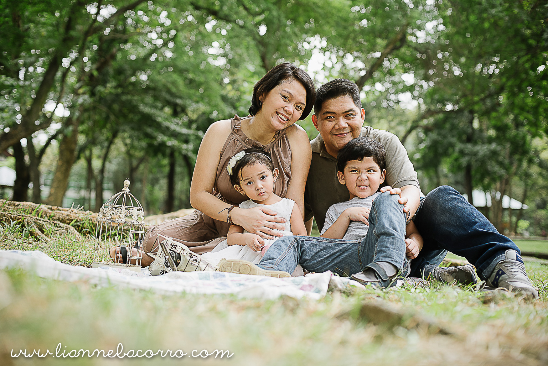 Lifestyle Maternity Family Photography by Lianne Bacorro-31