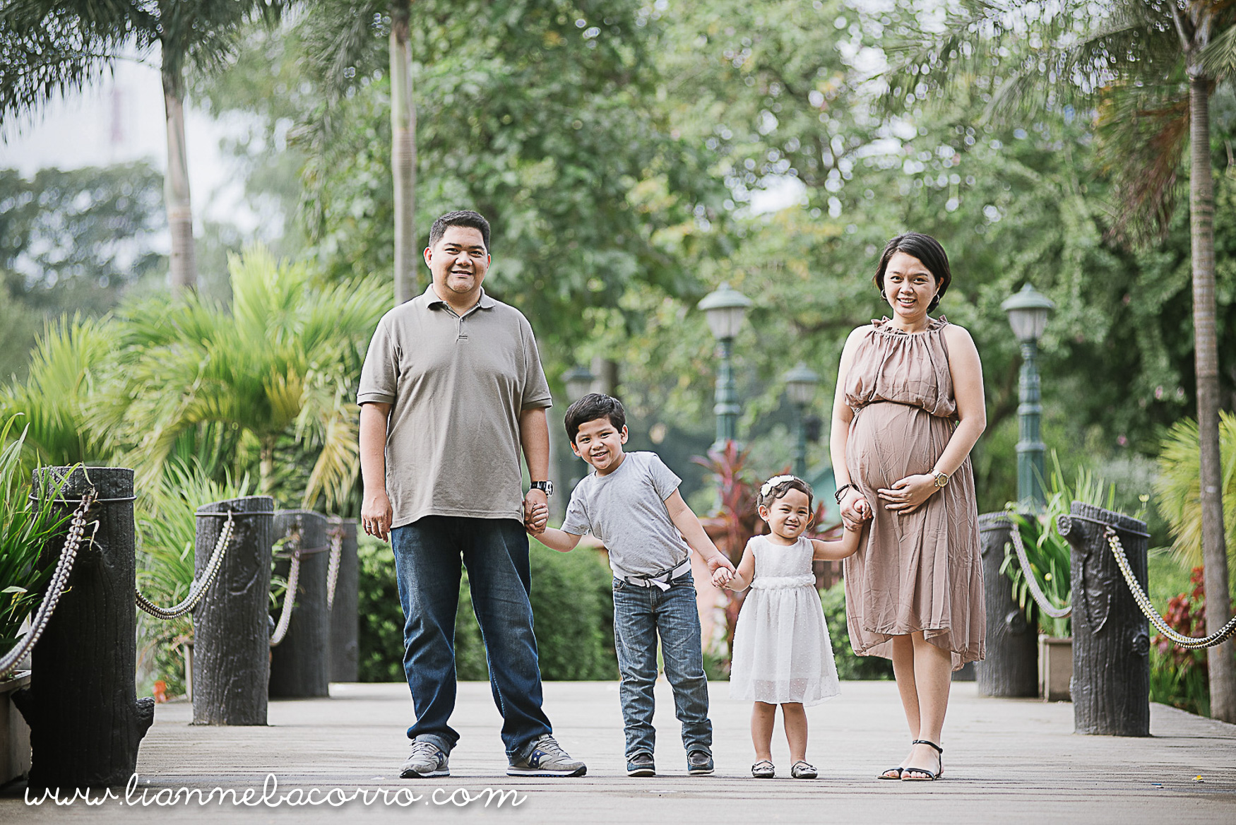 Lifestyle Maternity Family Photography by Lianne Bacorro-8